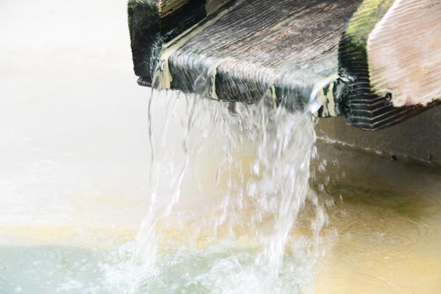 温泉水とオールインワンジェル