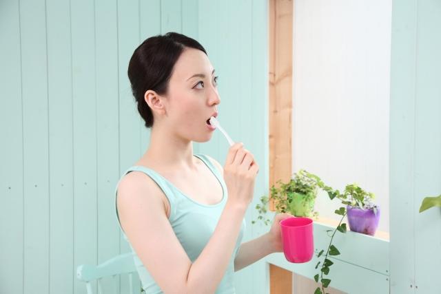 口臭を改善・予防する正しい歯磨き方法