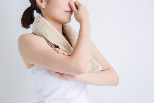 寝起きの口臭の原因に対処する方法