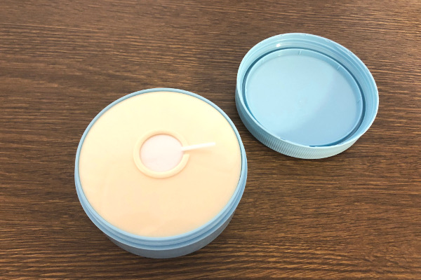 ロゼット洗顔パスタ 荒性肌の蓋